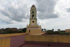 Vista de uma torre de sino da igreja em Trinidad, Cuba Fotografia de Stock Royalty Free