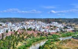 Vista de uma vila imagens de stock royalty free