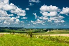 Vista de un campo en lado del país de Illinois fotografía de archivo