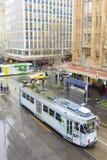 Vista de un cruce en Melbourne Foto de archivo libre de regalías