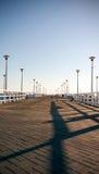 Vista de un embarcadero de madera en el mar Imagen de archivo libre de regalías