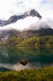 Vista de un fiordo en Noruega Foto de archivo libre de regalías