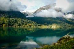 Vista de un fiordo en Noruega Imagen de archivo libre de regalías