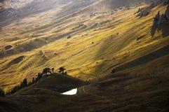 Vista de un lago de la montaña Imagen de archivo