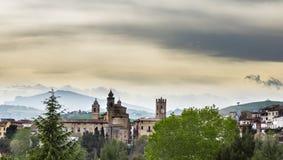 Vista de un pueblo medieval de Italia imágenes de archivo libres de regalías