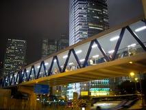 Túnel peatonal por noche Fotos de archivo
