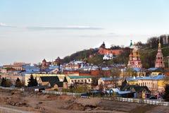 Vista de un terraplén más bajo de Volga en Nizhny Novgorod Foto de archivo libre de regalías