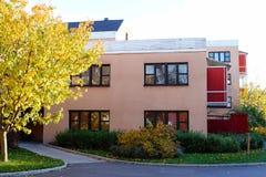 Vista de una casa del exterior Imágenes de archivo libres de regalías
