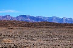 Vista de una cordillera en el parque nacional de Death Valley en California fotos de archivo libres de regalías