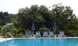 Vista de una piscina imagen de archivo libre de regalías