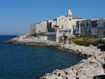 Vista de Vieste, região de Apulia, Itália do sul fotos de stock royalty free
