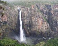 A vista de Wallaman cai em Queensland Austrália do ponto da vista imagens de stock royalty free