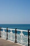 Vista decorata del mare e dell'inferriata fotografia stock