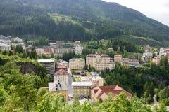 Vista degli hotel nel gastein austriaco di Male della stazione sciistica e della stazione termale Immagine Stock