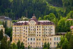 Vista degli hotel nel gastein austriaco di Male della stazione sciistica e della stazione termale Immagine Stock Libera da Diritti