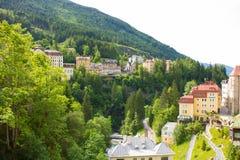 Vista degli hotel nel gastein austriaco di Male della stazione sciistica e della stazione termale Fotografie Stock