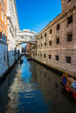 Vista dei canali navigabili di Venezia Fotografie Stock