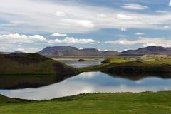 Vista dei crateri vicino al lago Myvatn, Islanda Fotografia Stock