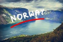 Vista dei fiordi al punto di vista di Stegastein in Norvegia Immagini Stock Libere da Diritti