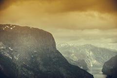 Vista dei fiordi al punto di vista di Stegastein in Norvegia Fotografie Stock