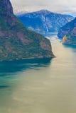 Vista dei fiordi al punto di vista di Stegastein in Norvegia Fotografia Stock Libera da Diritti
