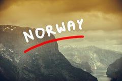 Vista dei fiordi al punto di vista di Stegastein in Norvegia Fotografie Stock Libere da Diritti