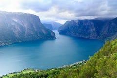 Vista dei fiordi e della valle di Aurland in Norvegia Fotografia Stock Libera da Diritti