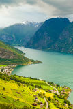Vista dei fiordi e della valle di Aurland in Norvegia Fotografie Stock