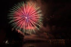 Vista dei fuochi d'artificio sul lago di polizia Immagine Stock Libera da Diritti