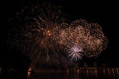 Vista dei fuochi d'artificio sul lago di polizia Immagini Stock Libere da Diritti