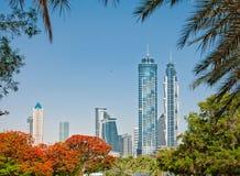 Vista dei grattacieli del parco della città Fotografia Stock Libera da Diritti