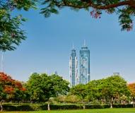 Vista dei grattacieli del parco della città il 4 giugno 2013 nel Dubai Immagini Stock Libere da Diritti