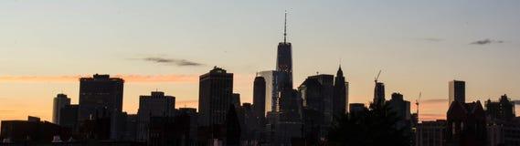 Vista dei grattacieli di Manhattan dal Brownstone, Brooklyn Fotografia Stock Libera da Diritti
