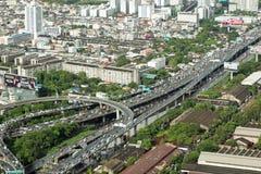 Vista dei grattacieli e delle vie del ` s di Bangkok Immagini Stock Libere da Diritti