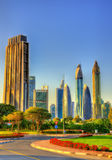 Vista dei grattacieli nel Dubai del centro - UAE immagini stock libere da diritti