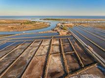 Vista dei laghi salt dal cielo sull'isola Tavira Aguas di Quatro Immagine Stock