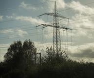 Vista dei pali di elettricità immagini stock