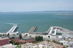 Vista dei pilastri della nave da crociera a San Francisco Bay Fotografia Stock