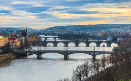 Vista dei ponti di Praga Fotografia Stock Libera da Diritti