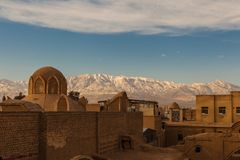 Vista dei tassi o del collettore del vento nella vecchia città di Kachan, Iran Fotografie Stock Libere da Diritti