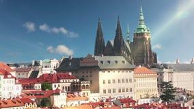 Vista dei tetti antichi praga Repubblica ceca video d archivio