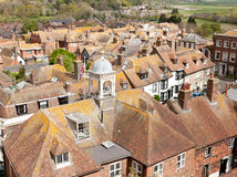 Vista dei tetti della città storica di Cinque Port di segale fotografia stock