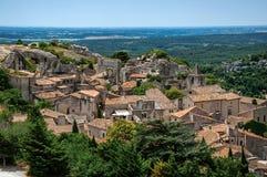 Vista dei tetti e delle case del villaggio della Baux-de-Provenza Fotografia Stock