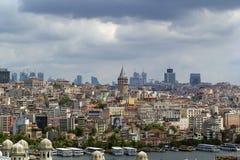 Vista del área de Estambul Beyoglu imagenes de archivo