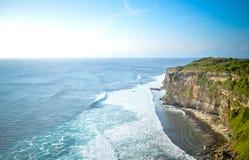 Vista del acantilado y del mar en Bali Fotos de archivo libres de regalías