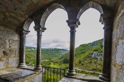 Vista del alzou Rocamadour de River Valley Imagen de archivo libre de regalías