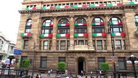 Vista del banco central del edificio de México Objetivo del ` s es asegurar la estabilidad y el poder de la moneda almacen de metraje de vídeo