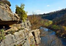 Vista del barranco en otoño Fotos de archivo libres de regalías