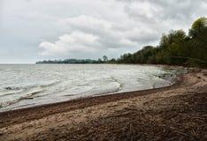 Vista del cabo en la orilla del golfo Fotos de archivo libres de regalías