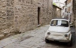 Vista del callejón toscano Imagenes de archivo